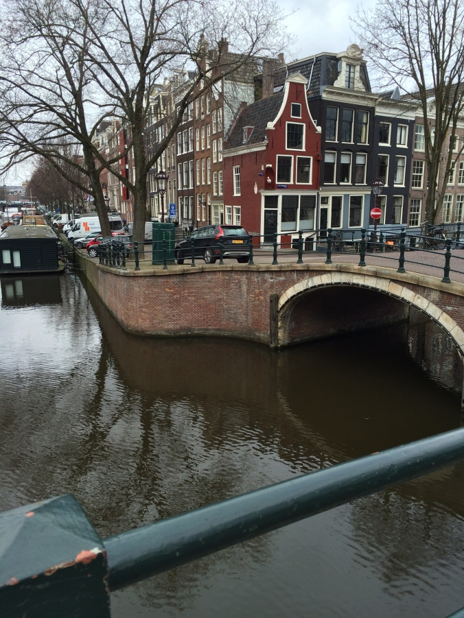 Amsterdam canal:architecture
