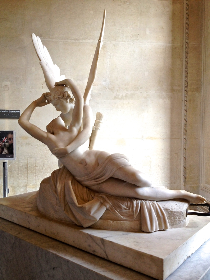 statue in the louvre