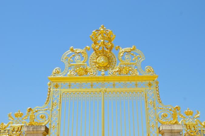 v gold gates