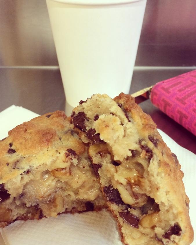 levain bakery cookie