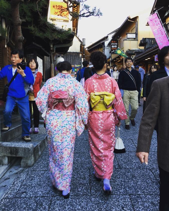 shopping in kimono