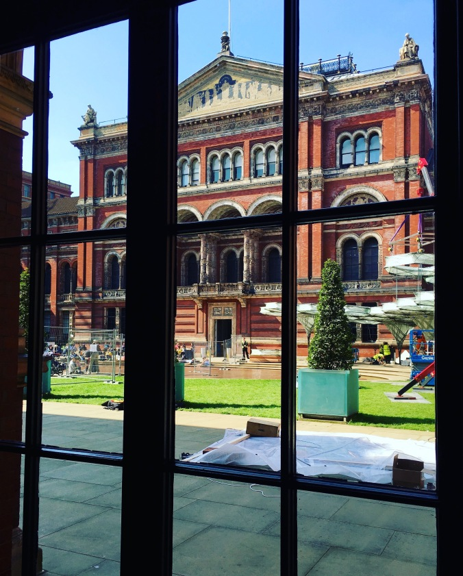 v and a interior courtyard