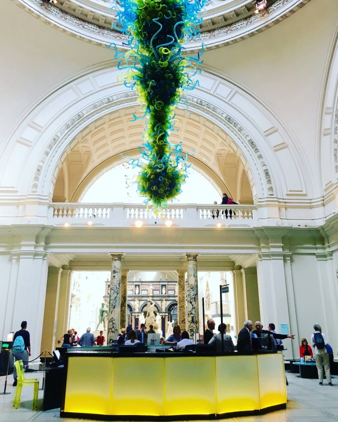 v and a museum lobby