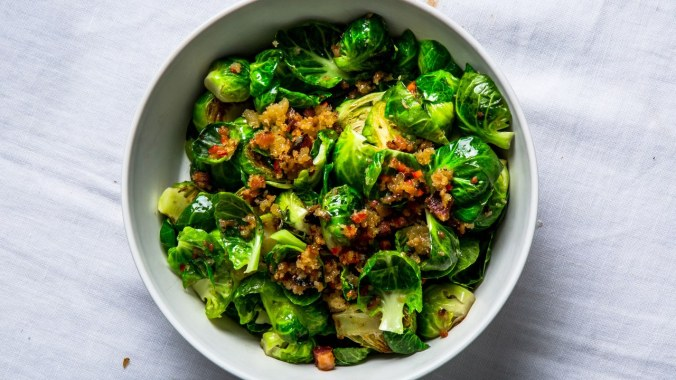 lemony-brussels-sprouts-with-bacon-and-breadcrumbs