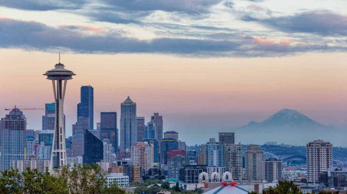 seattle-washington-skyline-rainier-918x516