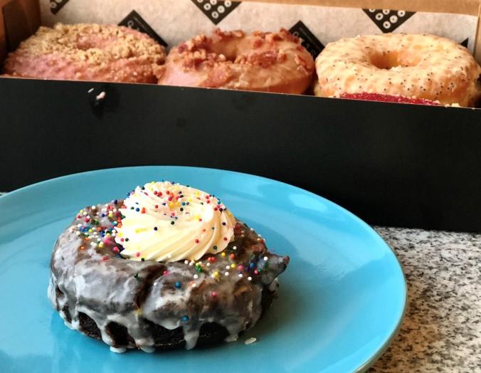 doughnuts-cake